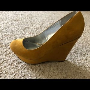 Wedge, excellent condition